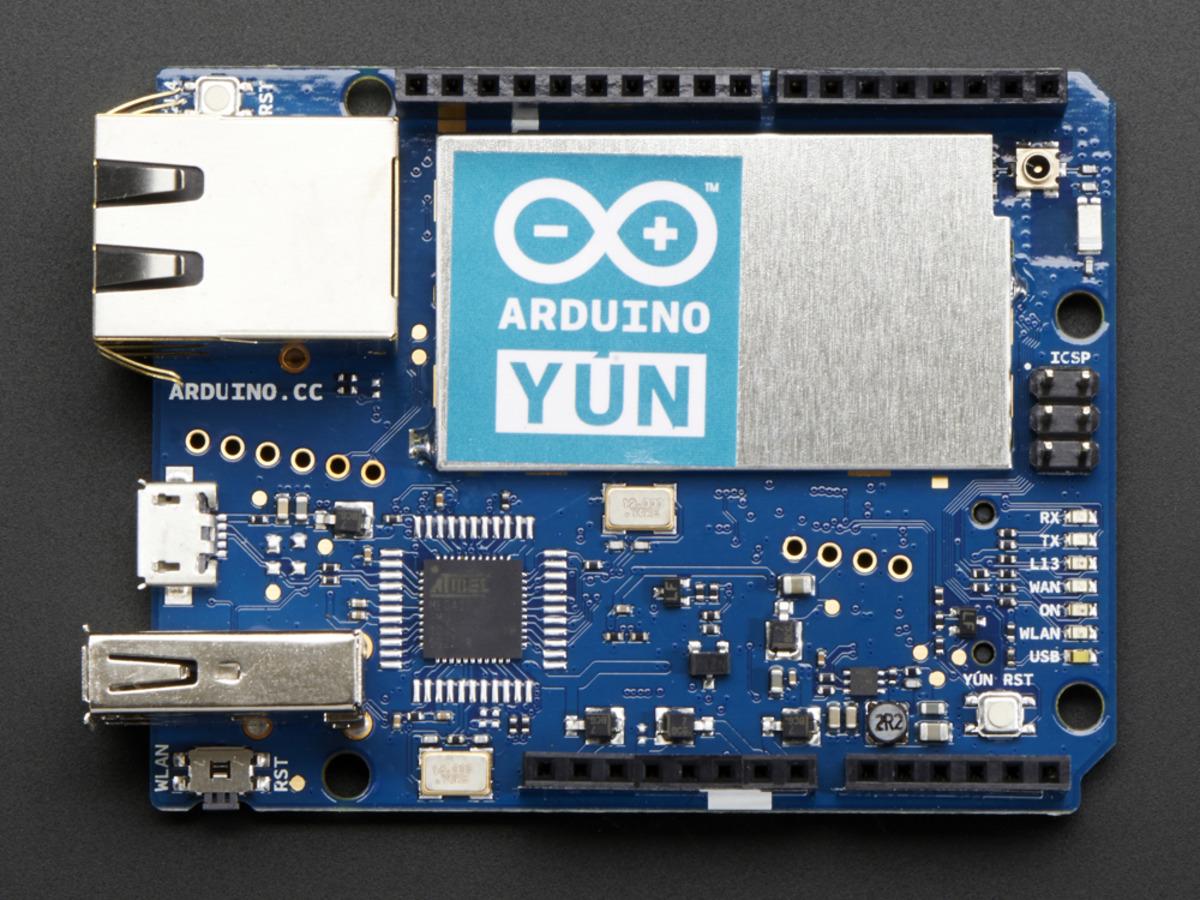 crisstel.ro Arduino Yun – How to wifi OpenWrt Leonardo Arduino Yun – How to Arduino Yun este o plăcuță care aduce ceva nou față de restul plăcilor Arduino Arduino Yun se aseamănă cu varianta Leonardo dar vine cu multe lucruri în plus În primul rând programarea plăcii este similara deoarece Yun și Leonardo utilizează același tip de microcontroler Atmega32U4 placa este echipata cu un procesor secundar Atheros care rulează Linux și OpenWrt Yun iți permite sa o conectezi la o rețea Wifi dar iți permite deasemenea sa o și programezi prin WiFI Asta înseamna ca nu ești strict legat de cablul USB de a efectua programarea plăcii deoarece prin Wifi nu vei avea nevoie de nici un cablu de programare Dacă dorești să conectezi și să alimentezi placa Arduino Yun la și din calculator poți face acest lucru printr-un cablu Micro-USB În primul rând placa Yun vine echipată cu un procesor secundar Atheros AR9331 care rulează o distribuție Linux denumita OpenWrt – Yun