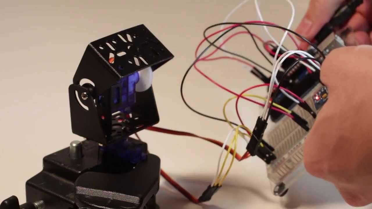 crisstel.ro Arduino – stabilizator giroscopic echilibra servomotor giroscop, dronă Arduino – stabilizator giroscopic Stabilizatorul giroscopic se poate utiliza pentru a echilibra o camera de filmat pentru a echilibra o dronă ce se află în zbor un avion rc sau un robot de tip Segway vei descoperi cum se poate construi un sistem simplu având un singur servomotor Stabilizatoarele giroscopice performante utilizează o gama variata de motoare/servomotoare/motoare pas cu pas, în funcție de aplicație Pentru a demonstra principiul în acest tutorial s-a folosit un singur servomotor care este suficient cât sa echilibreze o camera web Giroscopul este un mic dispozitiv folosit la măsurarea și menținerea orientației orice telefon mobil are un mic giroscop pe care îl utilizează atunci când se schimba poziția ecranului din modul Portrait în Landscape Avioanele si elicopterele sau aparatele de zbor în general utilizează giroscoape ce le ajuta la orientarea în spațiu