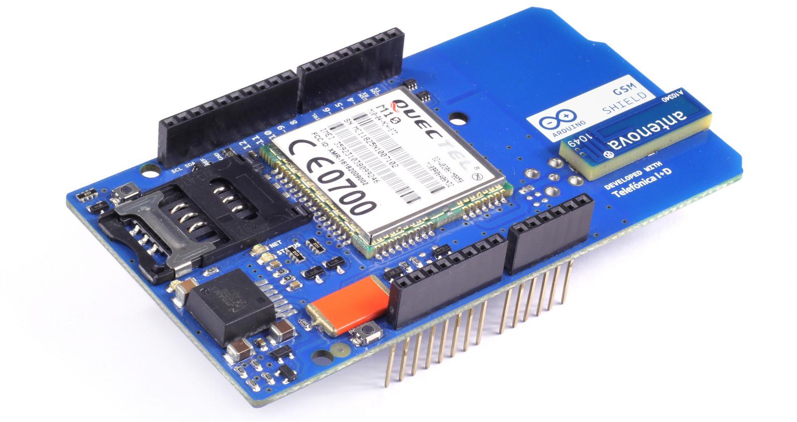 crisstel.ro Arduino GSM Shield Internet SMS apel voce Shield-ul Arduino GSM permite unei placi Arduino să se conecteze la rețeaua de Internet să trimită sau să primească mesaje SMS și să realizeze apeluri de voce În acest tutorial vei descoperi cum se realizează un apel de voce și cum se transmite un SMS utilizând un shield Arduino GSM • Un alimentator extern pentru Arduino (9V @ 1A) • pinul 2 al shield-ului se indoaie deoarece nu trebuie sa fie conectat cu placa Arduino •