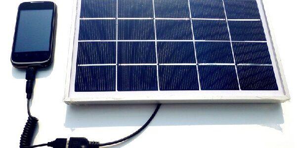 crisstel.ro Solar Power GPRS Test putem construi un sistem IoT cu comunicație GPRS total independent de alimentarea de la rețeaua de energie? un sistem ce se bazează exclusiv pe alimentare solară. Ca soluție de alimentare solară vom utiliza o componentă MPPT : Sunny Buddy - MPPT Solar Charger încărcarea unui acumulator LiIon sau LiPo cu o singură celulă (3.7V). Curentul maxim de încărcare utiliza o celulă solară de 2.5W / 9V placa de dezvoltare Adafruit Feather 32u4 FONA echipată cu un microcontroler ATmega32U4 placa de dezvoltare Arduino Leonardo