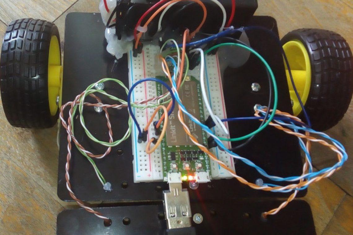 crisstel.ro WiFi car reloaded conexiuni WiFi microprocesor șasiu cu 4 motoare